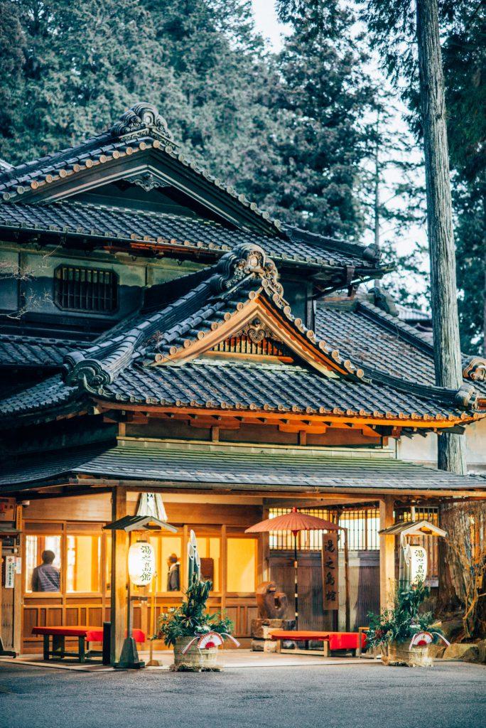 """下呂温泉で泊まるならここ!国指定文化財の宿、""""湯之島館""""の魅力"""