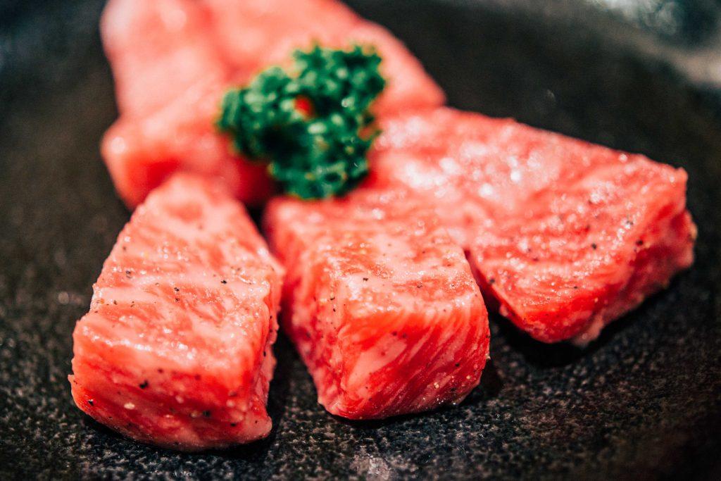 """コスパ最高!焼肉の名店""""牛蔵""""を当日予約して、希少部位を片っ端から食してみた"""