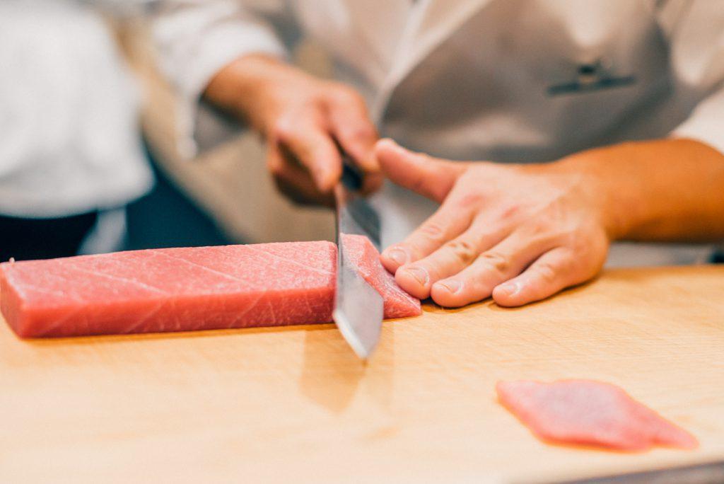 【IT企業の方必見】鮨一新は極上の寿司が安く食べれる最高の店。予約方法から料理写真まで。