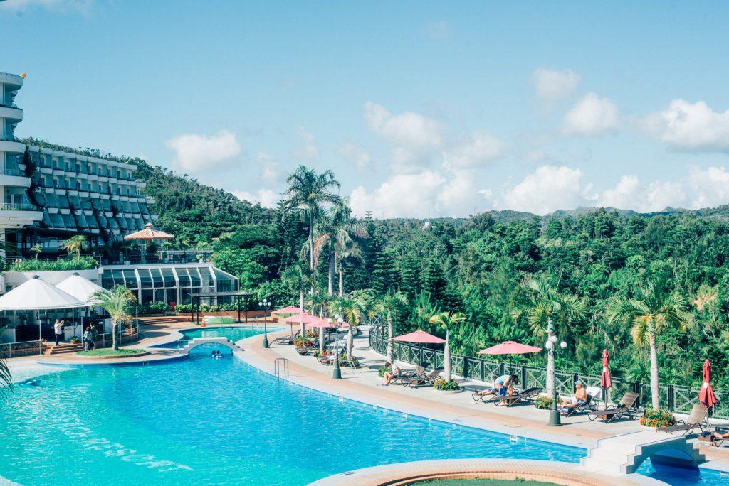 沖縄本島のホテル「かりゆしビーチリゾート」は家族にもカップルにも女子会にもおすすめ