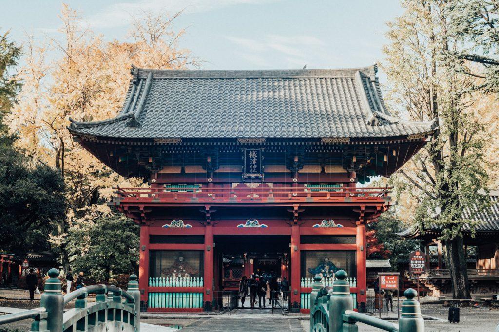 湯島天満宮と根津神社をはしごして神秘的な気分に浸ってみた。