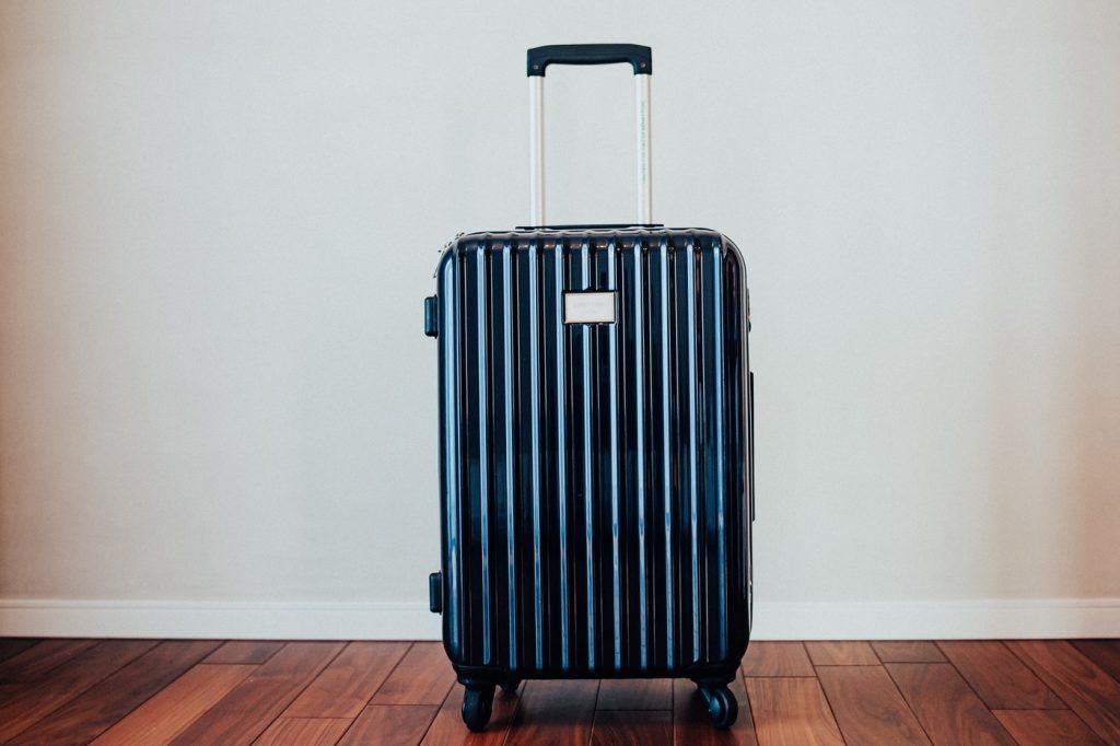 カメラ機材を運ぶのにちょうどいいBENETTONのスーツケース